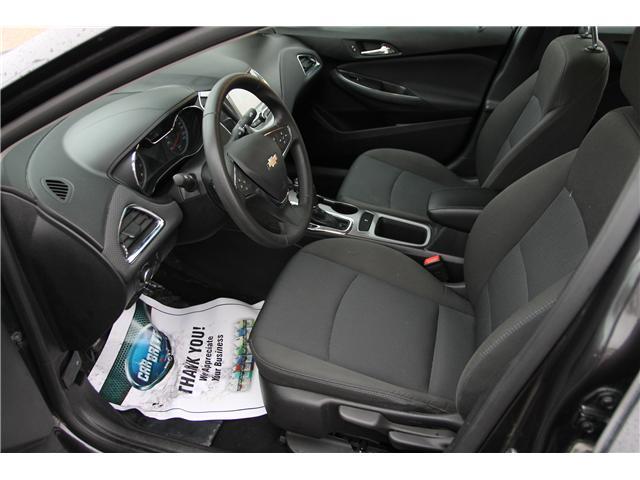 2017 Chevrolet Cruze LT Auto (Stk: 1902042) in Waterloo - Image 10 of 25