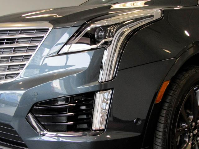 2019 Cadillac XT5 Platinum (Stk: C9-03820) in Burnaby - Image 11 of 24