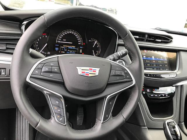 2018 Cadillac XT5 Premium Luxury (Stk: 8D02420) in North Vancouver - Image 17 of 24