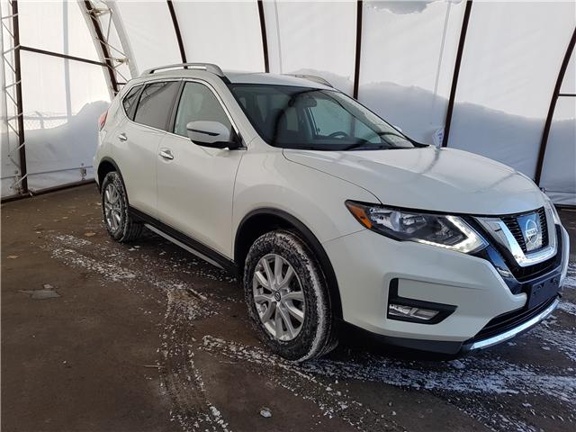 2017 Nissan Rogue  (Stk: 1814781) in Thunder Bay - Image 1 of 18