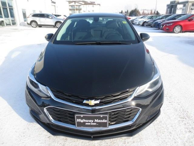 2016 Chevrolet Cruze LT Auto (Stk: M18202A) in Steinbach - Image 2 of 27