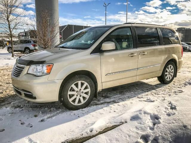 2011 Chrysler Town & Country Touring w/Leather (Stk: 21404A) in Edmonton - Image 4 of 19