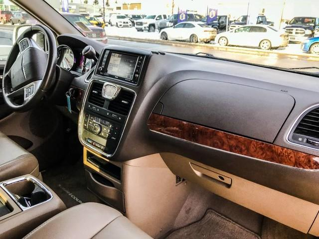 2011 Chrysler Town & Country Touring w/Leather (Stk: 21404A) in Edmonton - Image 12 of 19