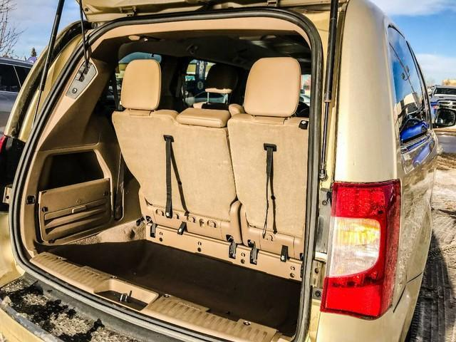 2011 Chrysler Town & Country Touring w/Leather (Stk: 21404A) in Edmonton - Image 17 of 19