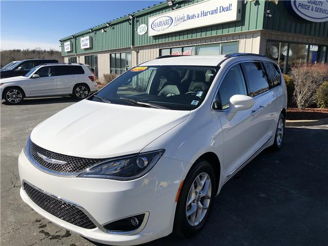 2018 Chrysler Pacifica Touring-L Plus (Stk: 10249) in Lower Sackville - Image 1 of 27