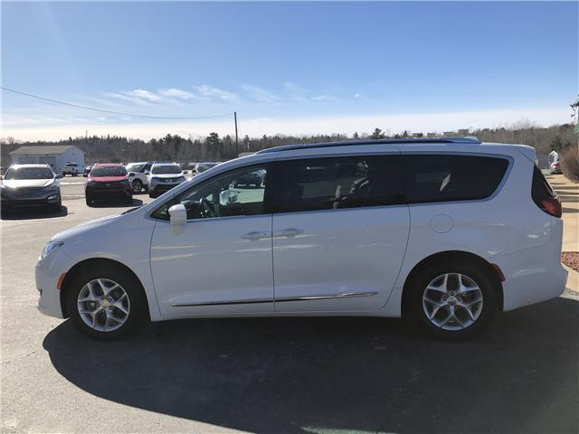 2018 Chrysler Pacifica Touring-L Plus (Stk: 10249) in Lower Sackville - Image 2 of 27