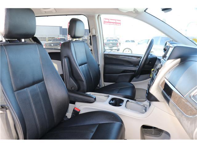 2016 Chrysler Town & Country Touring-L (Stk: P36100) in Saskatoon - Image 10 of 24