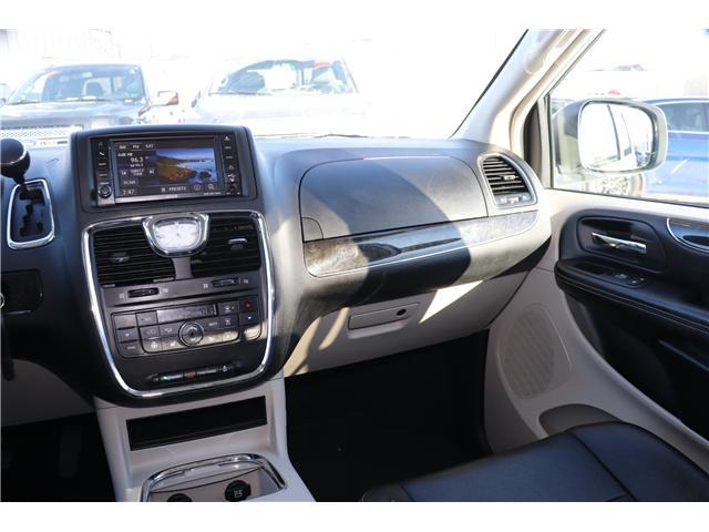 2016 Chrysler Town & Country Touring-L (Stk: P36100) in Saskatoon - Image 13 of 24