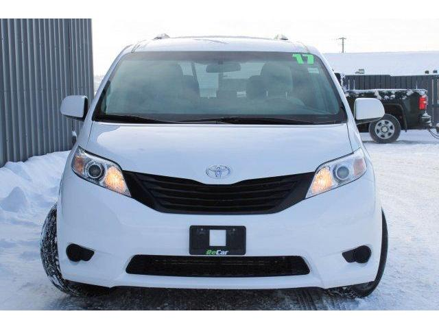 2017 Toyota Sienna L (Stk: 190069A) in Fredericton - Image 2 of 23