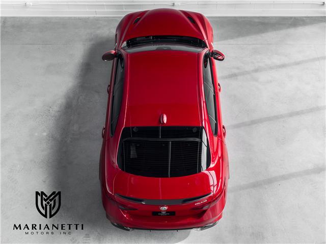 2017 Alfa Romeo Giulia Quadrifoglio (Stk: ZARFAEAV5H7544677) in Woodbridge - Image 2 of 35