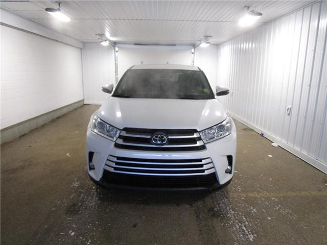 2017 Toyota Highlander LE (Stk: 1837901) in Regina - Image 2 of 32