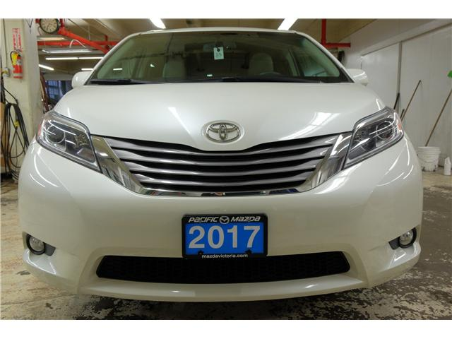 2017 Toyota Sienna XLE 7 Passenger (Stk: 7854A) in Victoria - Image 2 of 25