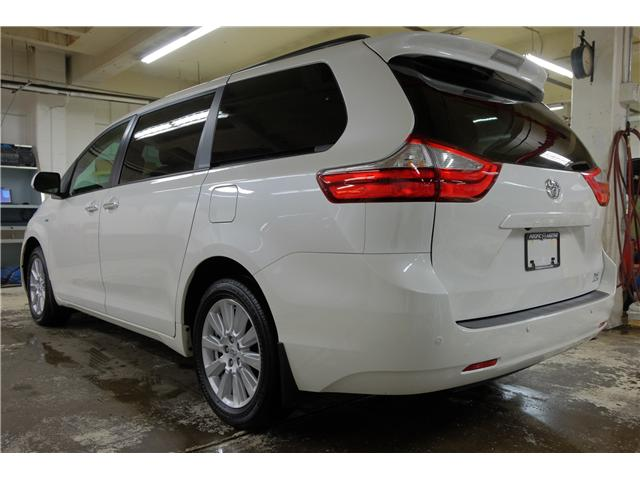 2017 Toyota Sienna XLE 7 Passenger (Stk: 7854A) in Victoria - Image 5 of 25