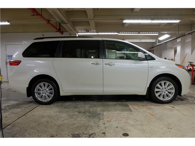 2017 Toyota Sienna XLE 7 Passenger (Stk: 7854A) in Victoria - Image 10 of 25