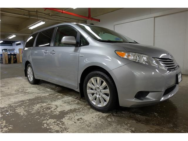 2016 Toyota Sienna LE 7 Passenger (Stk: 7857A) in Victoria - Image 1 of 23