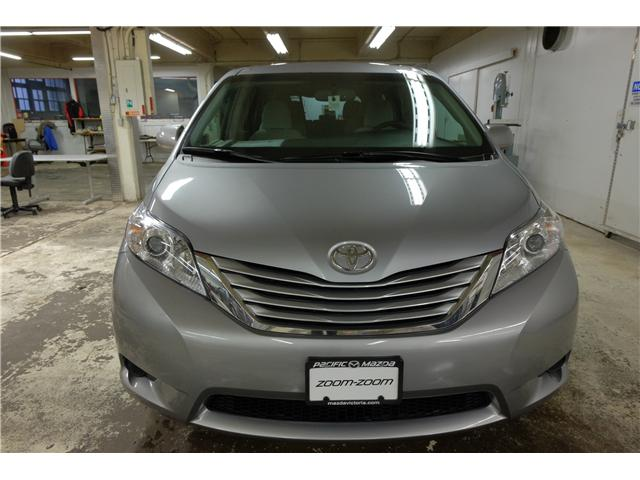 2016 Toyota Sienna LE 7 Passenger (Stk: 7857A) in Victoria - Image 2 of 23