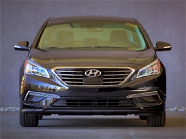 2017 Hyundai Sonata GL (Stk: 527045) in Truro - Image 2 of 10