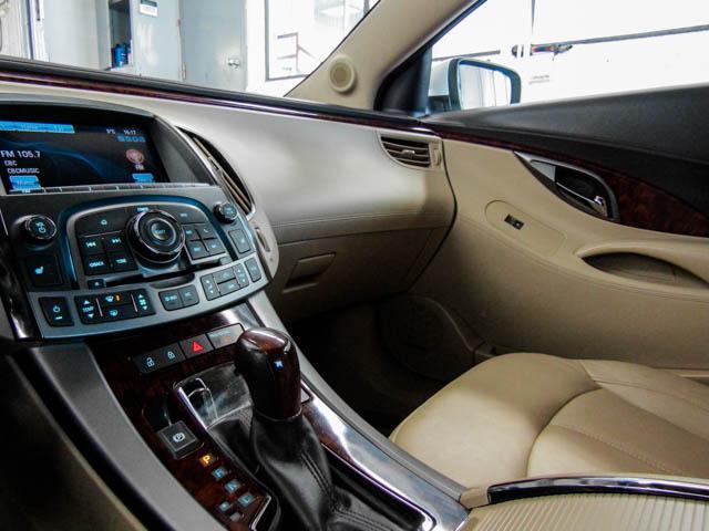 2013 Buick LaCrosse eAssist Luxury Group (Stk: I8-58481) in Burnaby - Image 9 of 24
