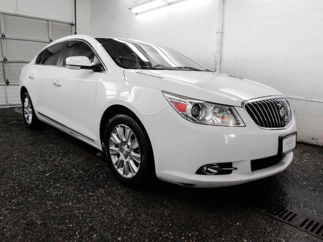 2013 Buick LaCrosse eAssist Luxury Group (Stk: I8-58481) in Burnaby - Image 2 of 24