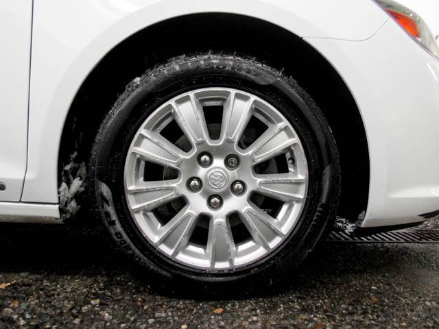 2013 Buick LaCrosse eAssist Luxury Group (Stk: I8-58481) in Burnaby - Image 17 of 24