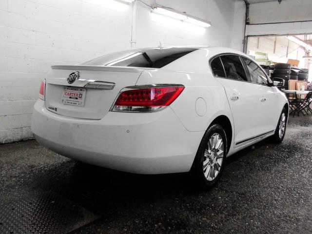 2013 Buick LaCrosse eAssist Luxury Group (Stk: I8-58481) in Burnaby - Image 3 of 24