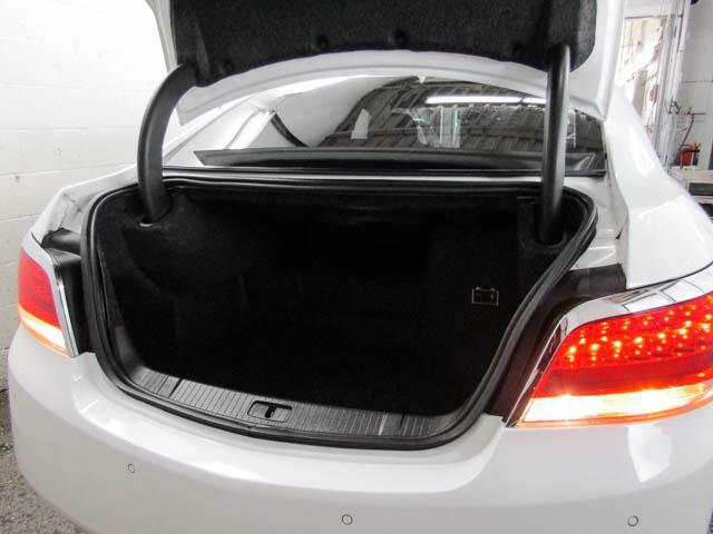 2013 Buick LaCrosse eAssist Luxury Group (Stk: I8-58481) in Burnaby - Image 15 of 24