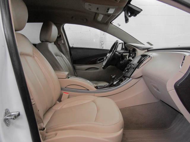 2013 Buick LaCrosse eAssist Luxury Group (Stk: I8-58481) in Burnaby - Image 12 of 24
