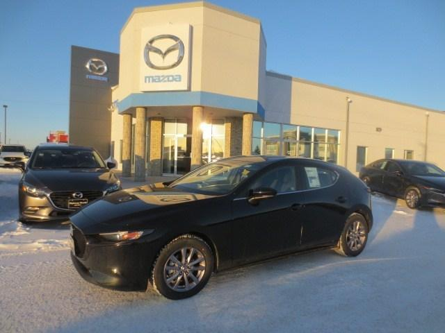 2019 Mazda Mazda3 Sport GS at (Stk: M19040) in Steinbach - Image 1 of 30
