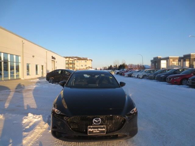 2019 Mazda Mazda3 Sport GS at (Stk: M19040) in Steinbach - Image 2 of 30