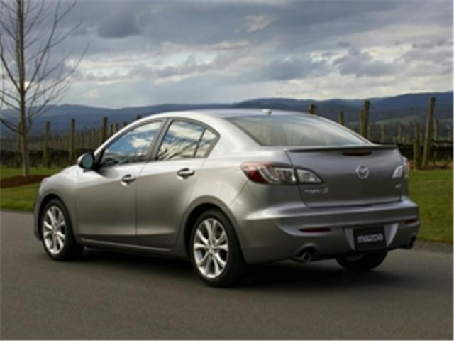 2011 Mazda Mazda3 GX (Stk: 366425) in Truro - Image 2 of 9