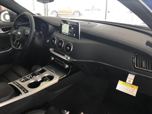 2018 Kia Stinger GT Limited (Stk: 21071) in Edmonton - Image 10 of 21