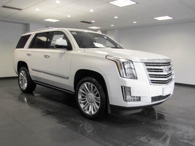 2019 Cadillac Escalade Platinum (Stk: C9-56570) in Burnaby - Image 2 of 24