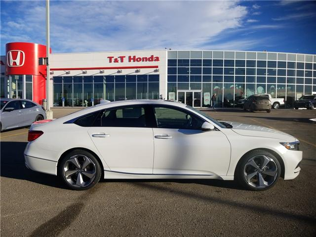 2019 Honda Accord Touring 2.0T (Stk: 2190542) in Calgary - Image 2 of 9