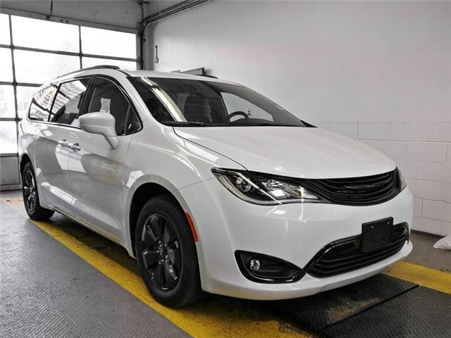 2019 Chrysler Pacifica Hybrid Touring Plus (Stk: W707130) in Burnaby - Image 2 of 12