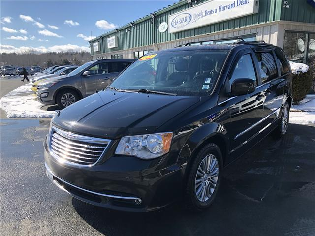 2015 Chrysler Town & Country Touring-L (Stk: 10261A) in Lower Sackville - Image 1 of 21