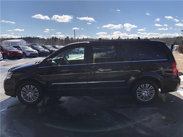 2015 Chrysler Town & Country Touring-L (Stk: 10261A) in Lower Sackville - Image 2 of 21