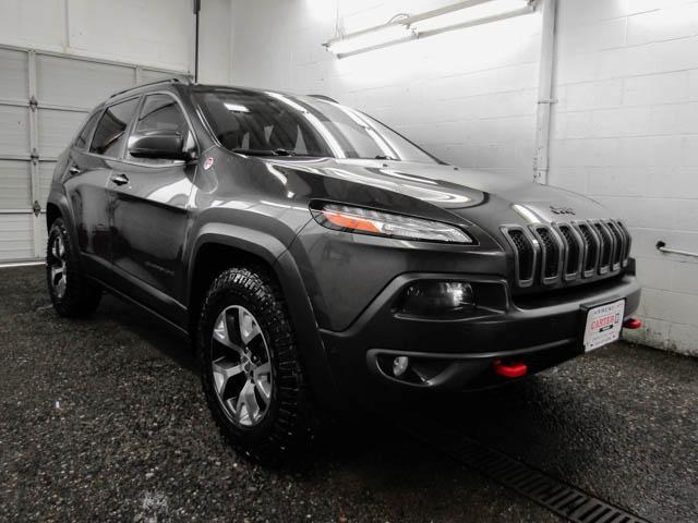 2015 Jeep Cherokee Trailhawk (Stk: 85-23652) in Burnaby - Image 2 of 25