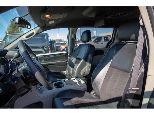 2018 Dodge Grand Caravan CVP/SXT (Stk: EE901210) in Surrey - Image 9 of 26
