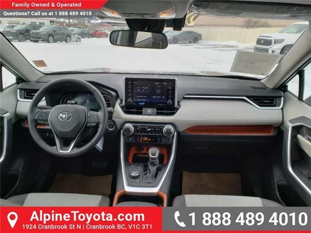 2019 Toyota RAV4 Trail (Stk: W020653) in Cranbrook - Image 10 of 18