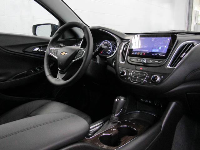 2019 Chevrolet Malibu Premier (Stk: M9-24810) in Burnaby - Image 4 of 12