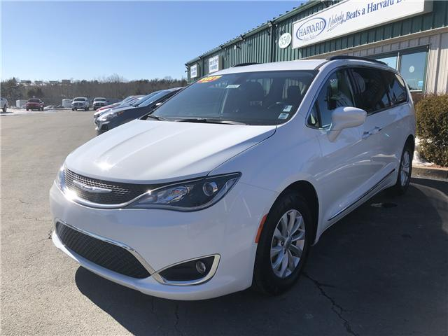 2017 Chrysler Pacifica Touring-L (Stk: 10252) in Lower Sackville - Image 1 of 20
