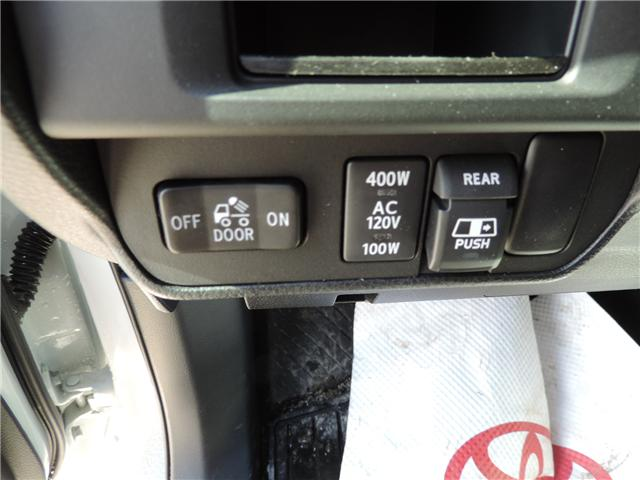 2017 Toyota Tacoma SR5 (Stk: 175811) in Brandon - Image 10 of 20