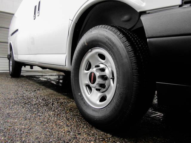 2019 GMC Savana 2500 Work Van (Stk: 89-32630) in Burnaby - Image 10 of 15