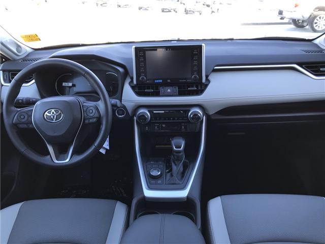 2019 Toyota RAV4 Limited (Stk: 190168) in Cochrane - Image 11 of 23