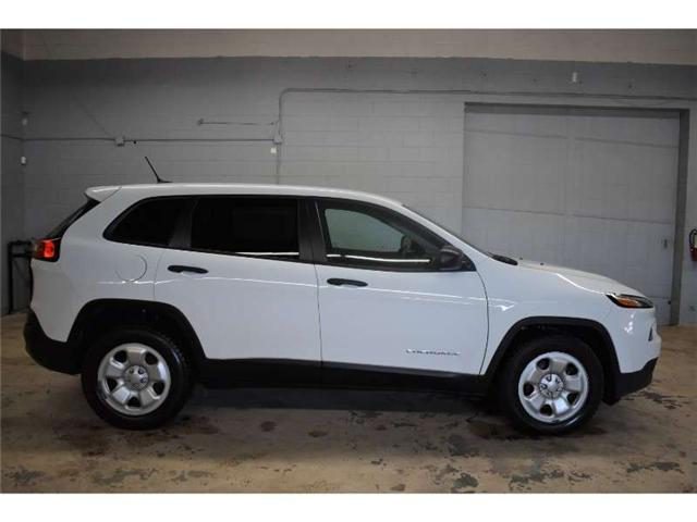 2017 Jeep Cherokee SPORT - BACKUP CAM * HEATED SEATS * TOUCH SCREEN (Stk: B3416) in Cornwall - Image 1 of 29