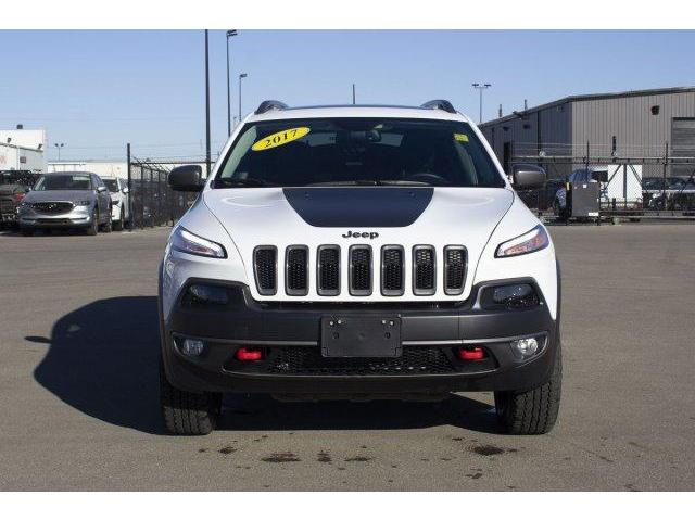 2017 Jeep Cherokee Trailhawk (Stk: V604) in Prince Albert - Image 2 of 11