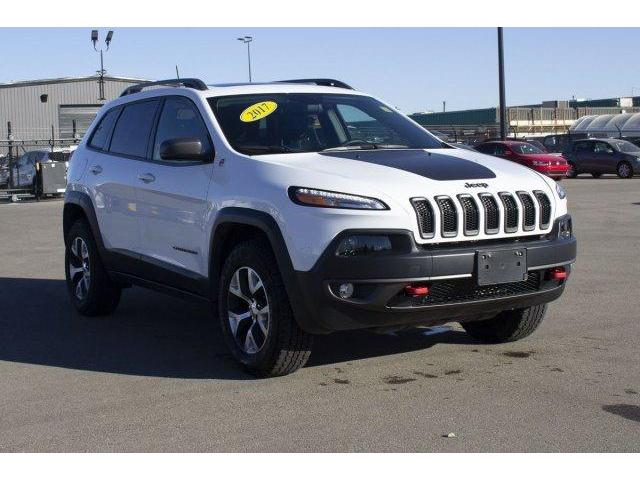 2017 Jeep Cherokee Trailhawk (Stk: V604) in Prince Albert - Image 3 of 11