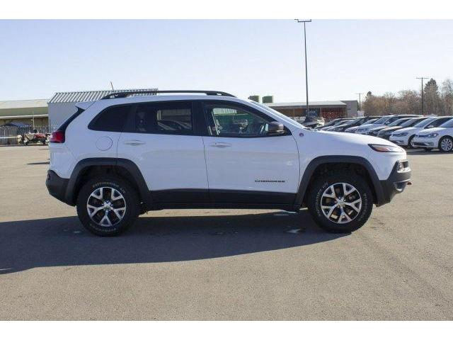 2017 Jeep Cherokee Trailhawk (Stk: V604) in Prince Albert - Image 4 of 11