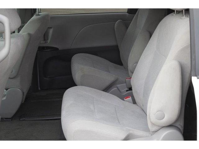 2017 Toyota Sienna  (Stk: V628) in Prince Albert - Image 11 of 12