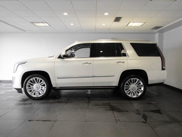 2015 Cadillac Escalade Platinum (Stk: P9-57630) in Burnaby - Image 7 of 26